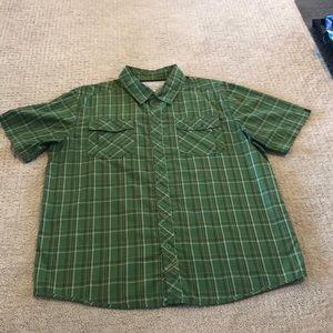 Mountain Hardwear Short Sleeve Button-down Large